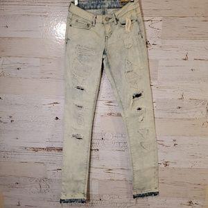 NWT Aeropostale distressed skinny jeans